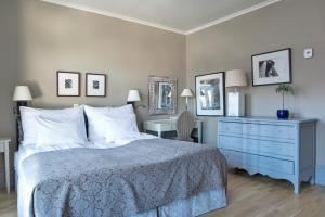 Cama o camas de una habitación en Clarion Collection Hotel Bastion