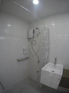 Ein Badezimmer in der Unterkunft Na-tub Hostel