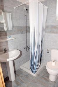 A bathroom at Hotel Tigaki's Star