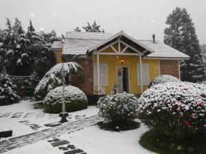 Pousada Aldeia dos Sonhos during the winter