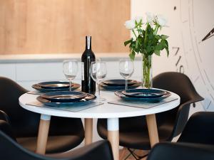 Restauracja lub miejsce do jedzenia w obiekcie Apartamenty Amko Style Barrakuda Wiila Nord