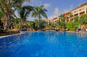 The swimming pool at or near Hotel Cordial Mogán Playa
