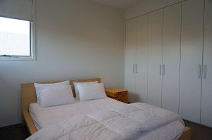 A bed or beds in a room at Shortlands