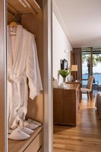 Guests staying at Kontokali Bay Resort & Spa