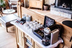 A kitchen or kitchenette at Hotel Schönegg