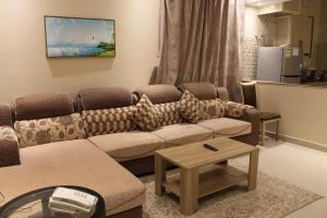 Uma área de estar em Awrad Royal