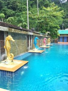 The swimming pool at or close to Phi Phi Maiyada Resort- SHA Certified Vaccinated