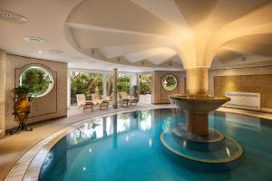 The swimming pool at or close to Excelsior Belvedere Hotel & Spa