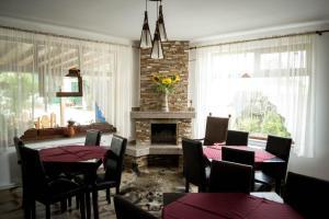 Un restaurant sau alt loc unde se poate mânca la Casa Diana