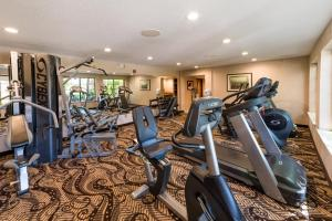 The fitness center and/or fitness facilities at MCM Elegante Lodge & Resorts
