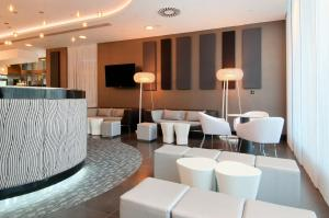 The lounge or bar area at Hilton Liverpool City Centre