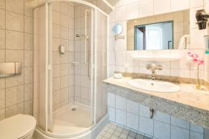 A bathroom at Grandhotel Esplanade