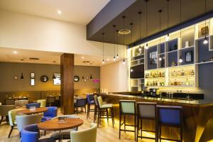 The lounge or bar area at Novotel Porto Alegre Tres Figueiras