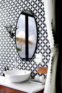 A bathroom at Moc Lan Boutique Hotel