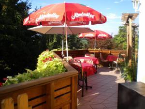 Ein Restaurant oder anderes Speiselokal in der Unterkunft Pension Thermensonne
