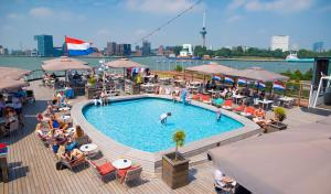 A view of the pool at ss Rotterdam Hotel en Restaurants or nearby