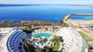 Een luchtfoto van Iberostar Selection Lanzarote Park