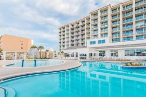 The swimming pool at or near Hilton Pensacola Beach