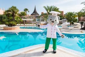 Der Swimmingpool an oder in der Nähe von Oliva Nova Beach & Golf Hotel