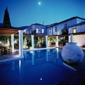 Πισίνα στο ή κοντά στο Bratsera Traditional Hotel