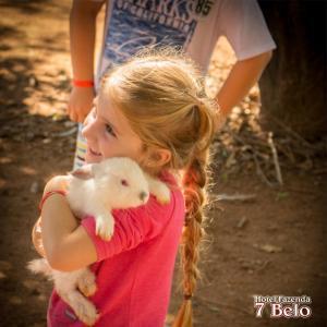 Crianças ficando em Hotel Fazenda 7 Belo