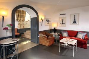 A seating area at Hotel Villa Glori