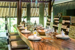 A restaurant or other place to eat at The Manipura Luxury Estate & Spa