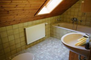 A bathroom at Seminarhaus am Liebfrauenberg