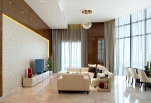 A seating area at Fraser Suites Diplomatic Area Bahrain