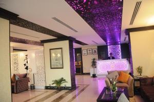 O saguão ou recepção de Sama Park Hotel Apartments - Jeddah