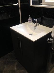 A bathroom at Yado Hotel