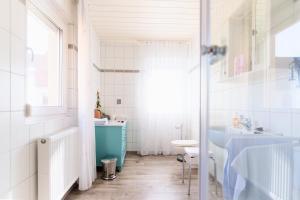 A bathroom at Domizil Nunn