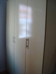 A bathroom at Próximo ao Consulado - Quarto Inteiro