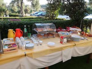 Завтрак для гостей Hotel Marina