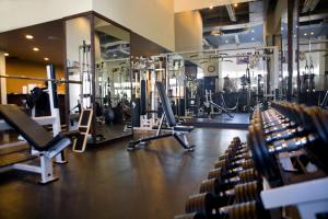 The fitness center and/or fitness facilities at Sandman Hotel Vancouver Downtown