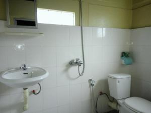 A bathroom at Lily Guest House