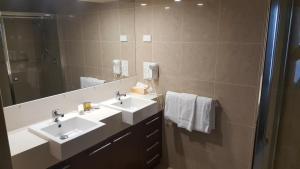 A bathroom at Pier Resort