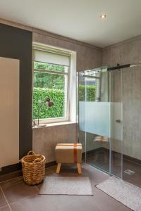 A bathroom at Villa Eltins