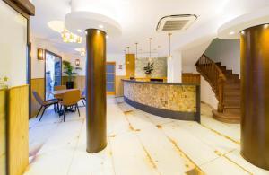 Hall o reception di Hostal Marí