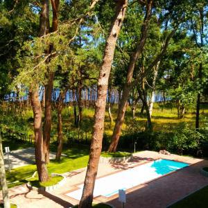 The swimming pool at or near Apartament Ku Morzu II Ustronie Morskie