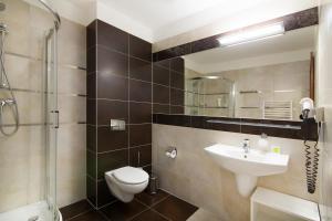 A bathroom at Hotel AMARiZ