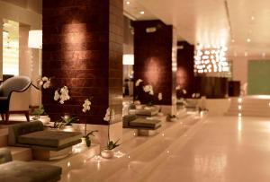 A restaurant or other place to eat at Park Hyatt Istanbul - Macka Palas