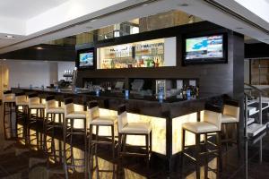 The lounge or bar area at Hyatt Regency Toronto