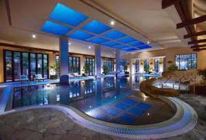 The swimming pool at or close to Grand Hyatt Dubai