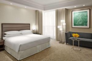 A bed or beds in a room at Jabal Omar Hyatt Regency Makkah