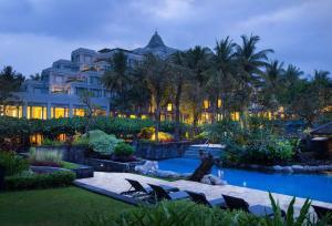 Het zwembad bij of vlak bij Hyatt Regency Yogyakarta