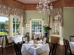 A restaurant or other place to eat at Pendray Inn and Tea House