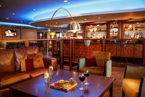 A restaurant or other place to eat at Mercure Manchester Piccadilly Hotel