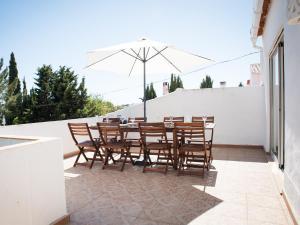A balcony or terrace at Vivenda Jardim Mar Algarve Porches