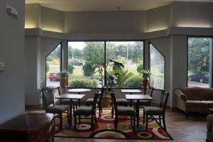A restaurant or other place to eat at Days Inn by Wyndham Clemson